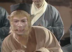Sun Wukong Affenkonig sprickt mit dem Meister Front