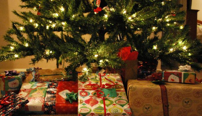 regali sotto lalbero